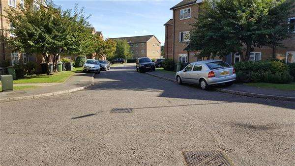 2 Bedrooms Flat for sale in Quilter Close, Luton
