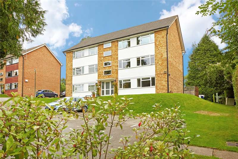 2 Bedrooms Flat for sale in Tupwood Court, Tupwood Lane, Caterham, Surrey, CR3