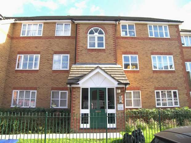 2 Bedrooms Flat for sale in Merchants Lodge, Westbury Road, London