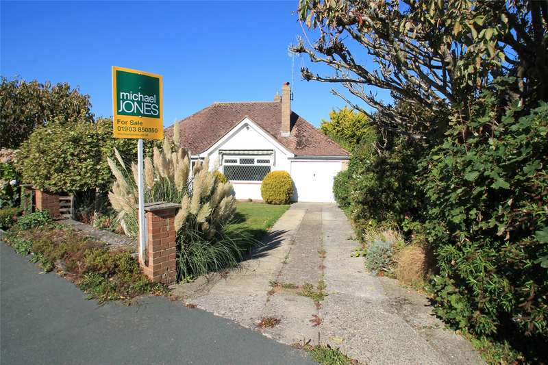 3 Bedrooms Detached Bungalow for sale in Vermont Drive, East Preston, Littlehampton, BN16