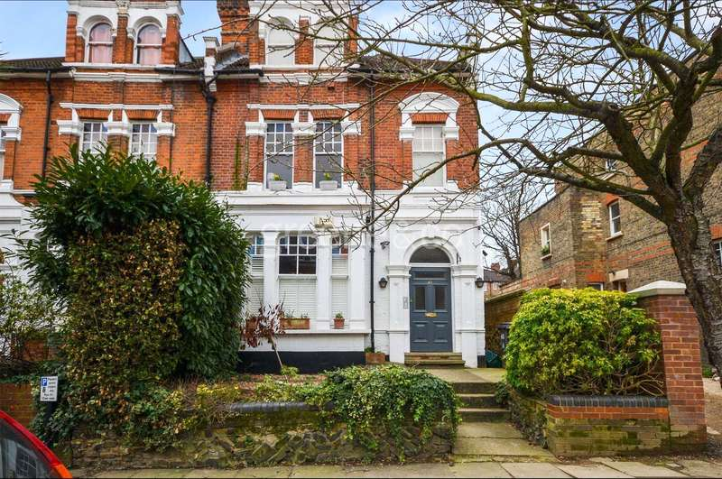 2 Bedrooms Flat for sale in Cecile Park, London, N8