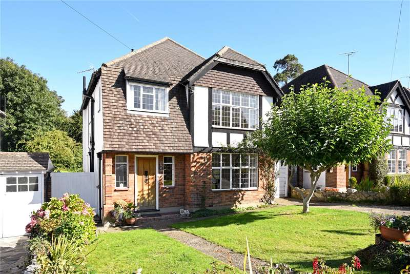 4 Bedrooms Detached House for sale in Pine Hill, Epsom, Surrey, KT18