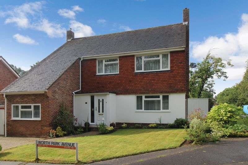 4 Bedrooms Detached House for sale in Pound Hill