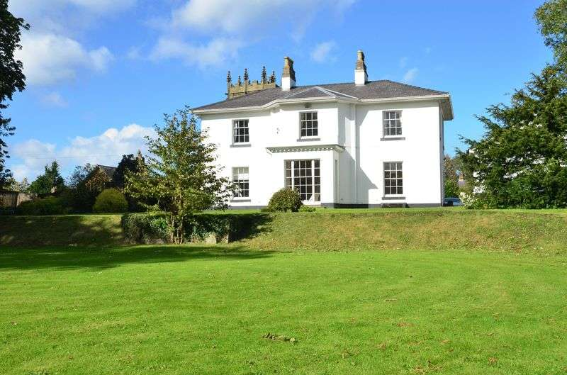 4 Bedrooms Detached House for sale in Church Road, Northop