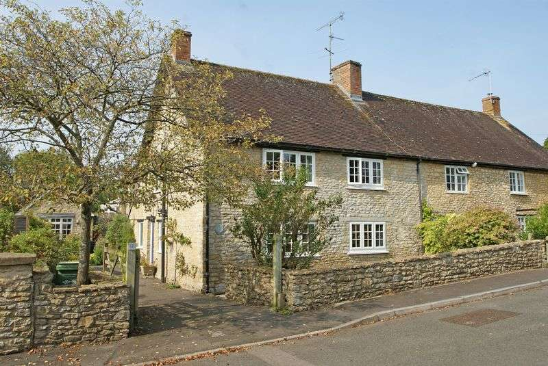 2 Bedrooms Semi Detached House for sale in South Street, Milborne Port, Somerset