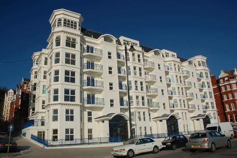 2 Bedrooms Flat for sale in Empress Apartments, Central Promenade, Douglas, IM2 4EE