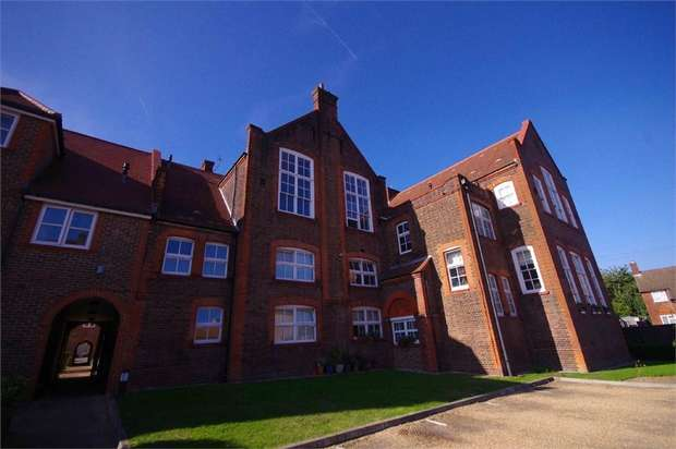 1 Bedroom Flat for sale in College Yard, 5 Gammons Lane, WATFORD, Hertfordshire