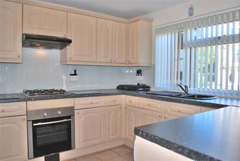 2 Bedrooms Semi Detached House for sale in Newlands Crescent, East Grinstead, West Sussex