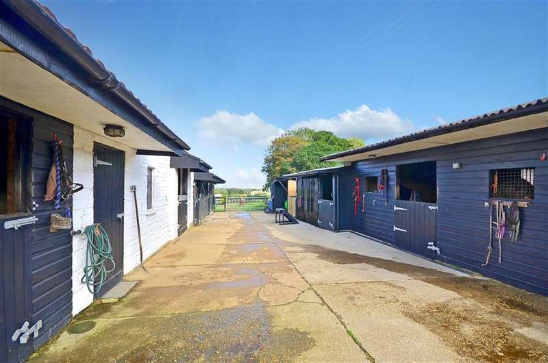 4 Bedrooms Detached House for sale in St. Johns Road, Wroxall, Ventnor, Isle of Wight