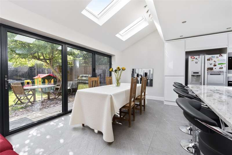5 Bedrooms Detached House for sale in Pantile Road, Weybridge, KT13