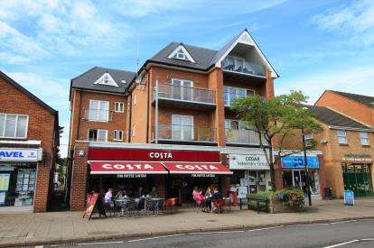 2 Bedrooms Flat for sale in 3 Library Road, Ferndown, Dorset