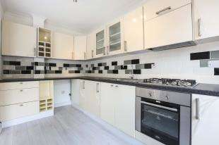 4 Bedrooms Semi Detached House for sale in Jevington Way, Lee, Lewisham, London