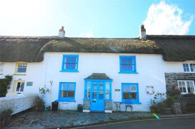 2 Bedrooms Terraced House for sale in The Cove, Coverack, Helston, Cornwall