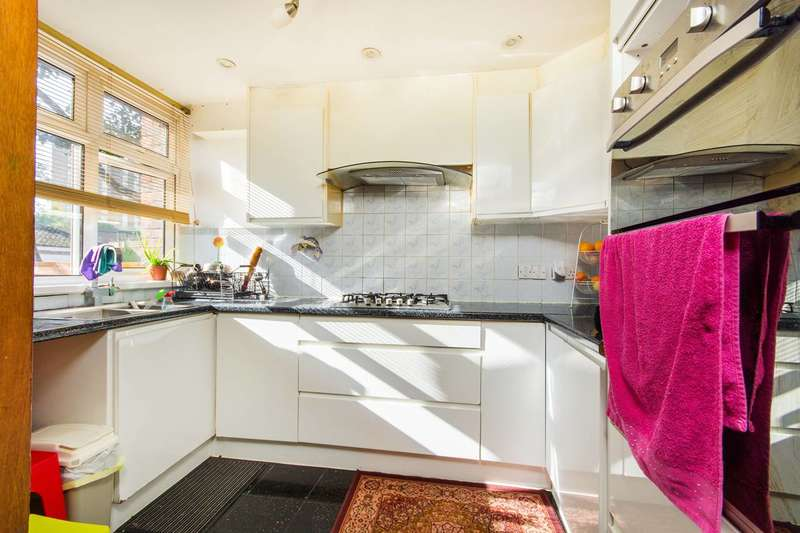 4 Bedrooms Terraced House for sale in Falcon Grove, Clapham Junction, SW11
