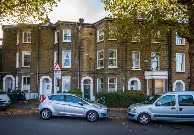 Studio Flat for sale in Bird in Bush Road, Peckham, SE15
