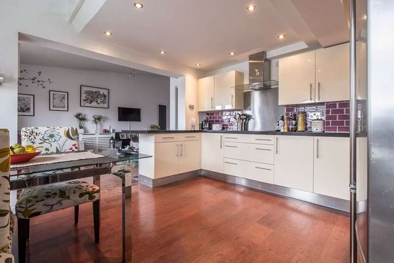 3 Bedrooms Apartment Flat for sale in Maynards Quay, London, London, E1W