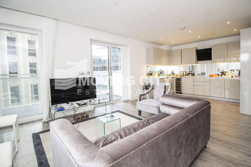 3 Bedrooms Flat for sale in Aldgate Place, Whitechapel High Street, Aldgate