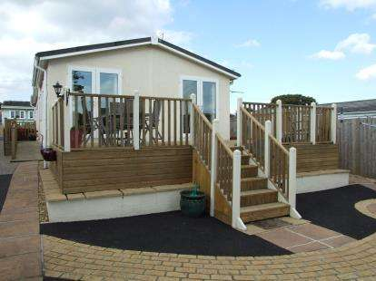 2 Bedrooms Mobile Home for sale in Tregatillian, St. Columb, Cornwall