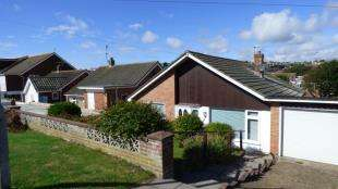 2 Bedrooms Bungalow for sale in Greenbank Avenue, Saltdean, Brighton, East Sussex