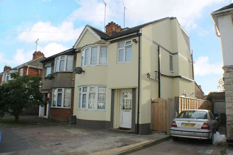 4 Bedrooms Semi Detached House for sale in Beechwood Road, Luton, Bedfordshire, LU4 9RA