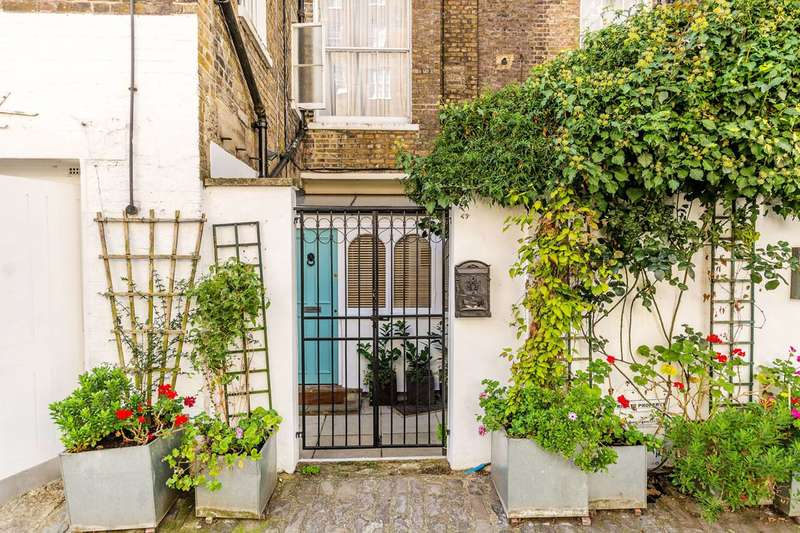 1 Bedroom Flat for sale in Westbourne Terrace Mews, Paddington, W2