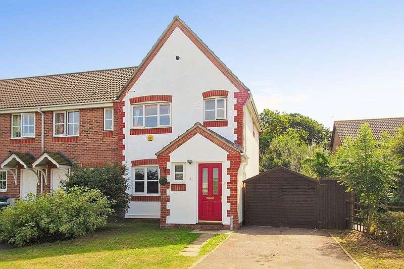 3 Bedrooms Terraced House for sale in Silver Birch Drive, Middleton-On-Sea, PO22