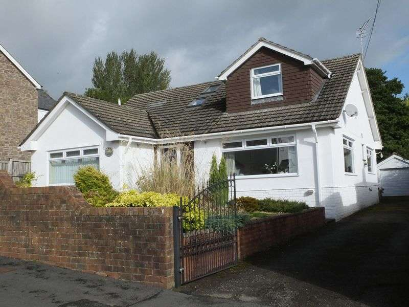 4 Bedrooms Detached Bungalow for sale in Poplars Road, Abergavenny