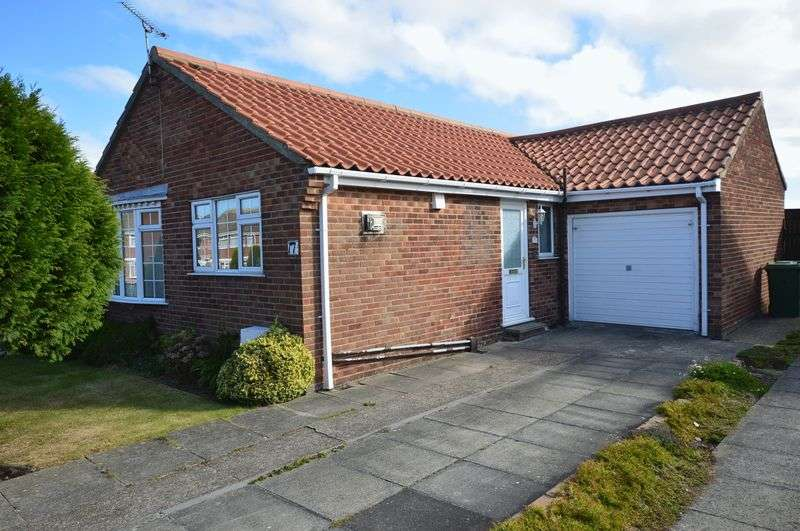 2 Bedrooms Detached Bungalow for sale in Heather Drive, Whitby