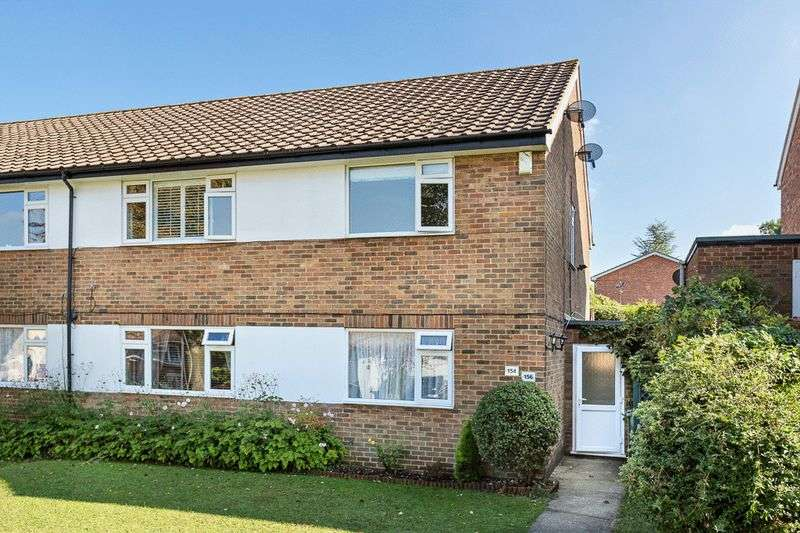 2 Bedrooms Flat for sale in Nork Way, Banstead