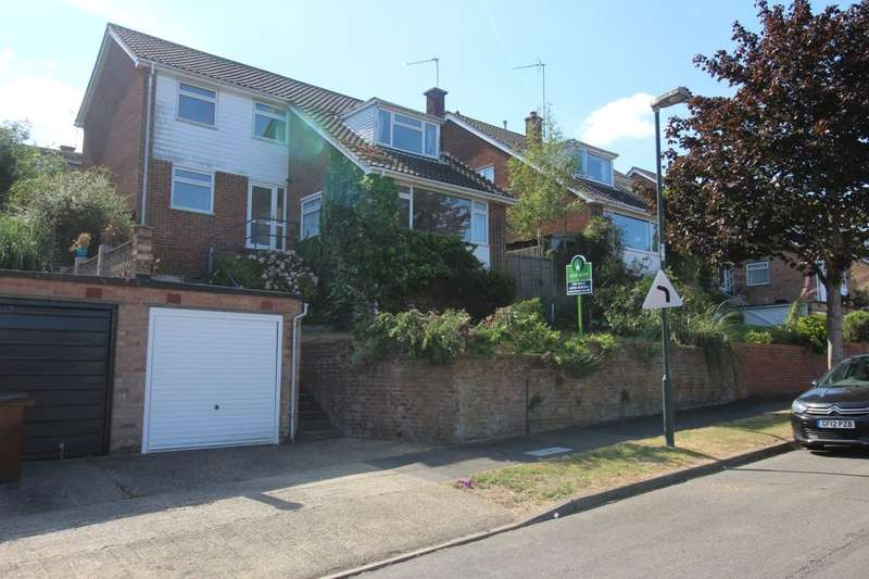 4 Bedrooms Detached House for sale in Polhill Drive, Walderslade, Chatham, ME5