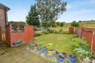3 Bedrooms Terraced House for sale in Malmstone Avenue, Merstham, Redhill, Surrey