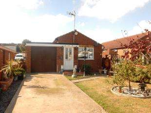2 Bedrooms Bungalow for sale in Cliff View Gardens, Warden, Sheerness