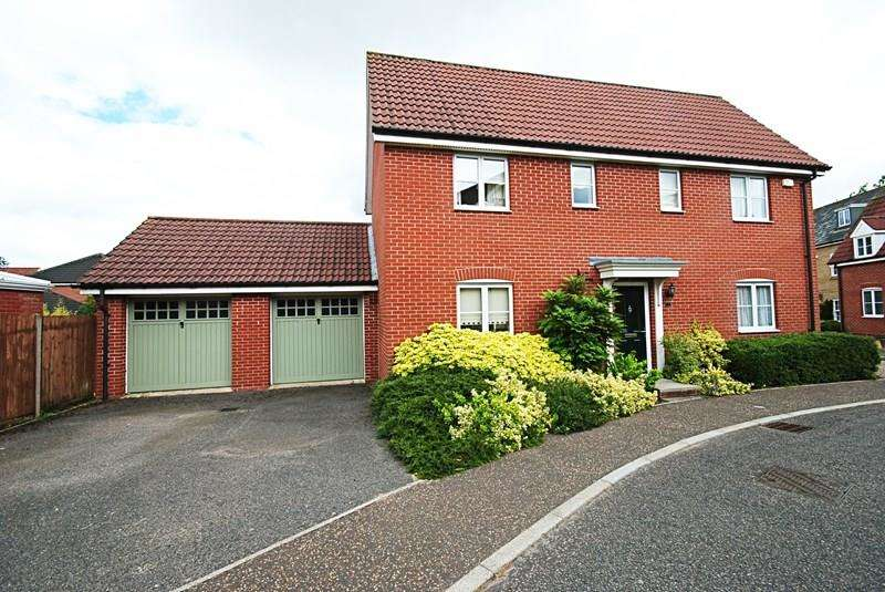 4 Bedrooms Detached House for sale in Upgate, Tharston, Norwich