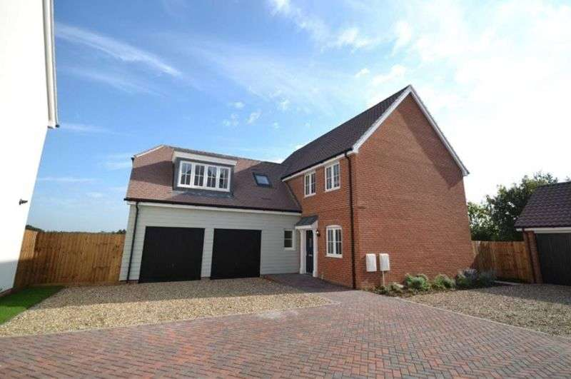 4 Bedrooms Detached House for sale in Corinthia Mews, Burnham-On-Crouch, Essex, CM0