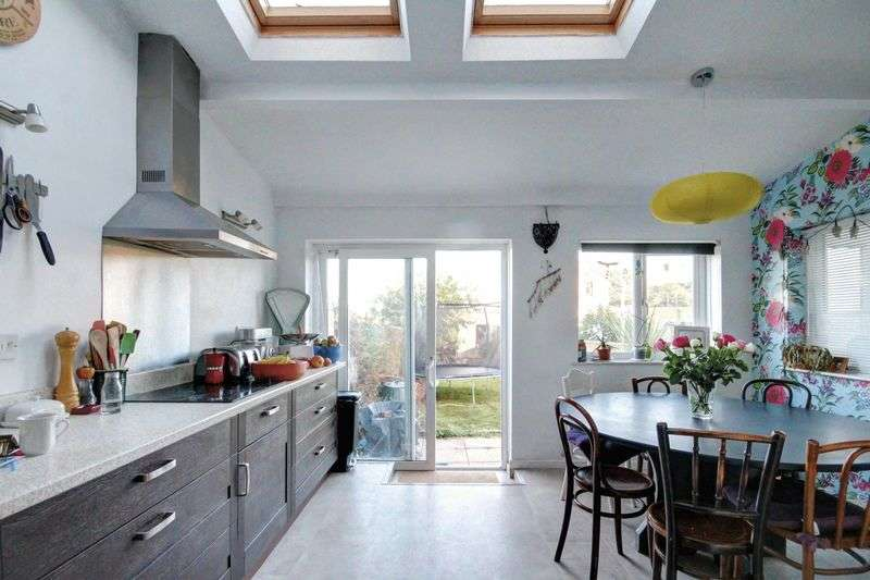 4 Bedrooms Terraced House for sale in Kennford, Exeter