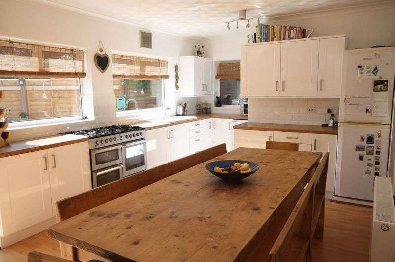 Semi Detached House for sale in Acacia Road, Bristol