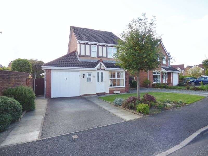 3 Bedrooms Detached House for sale in Nevada Close, Warrington