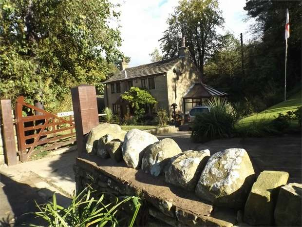 4 Bedrooms Cottage House for sale in Todmorden Road, Briercliffe, Burnley, Lancashire