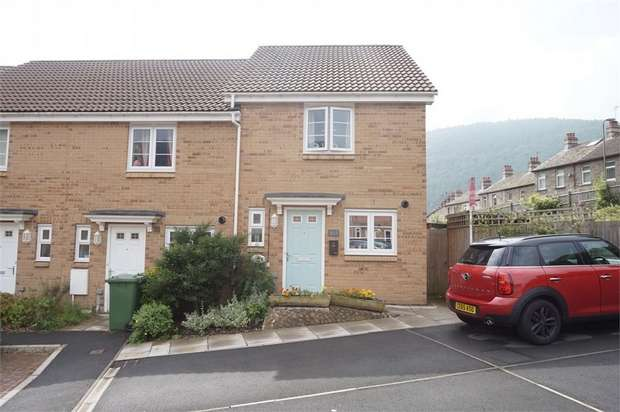 2 Bedrooms Semi Detached House for sale in Mill-Race, Abercarn, NEWPORT, Caerphilly