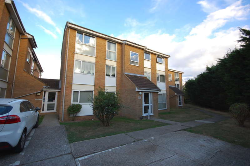 1 Bedroom Flat for sale in Wisteria Lodge, Lupin Drive, Springfield, Chelmsford, CM1