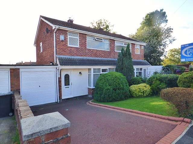 3 Bedrooms House for sale in Arundell Close, Burtonwood, Warrington