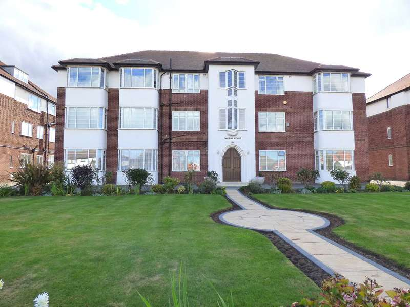 2 Bedrooms Flat for sale in Queens Court, 194 Clifton Drive South, St Annes