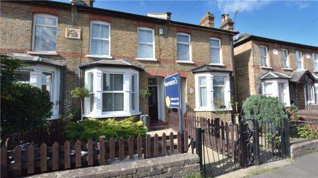 3 Bedrooms Terraced House for sale in Bridge Road, Uxbridge, Middlesex