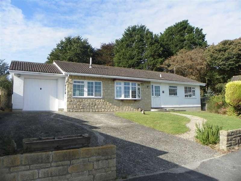 4 Bedrooms Property for sale in Tudor Close, Pembroke