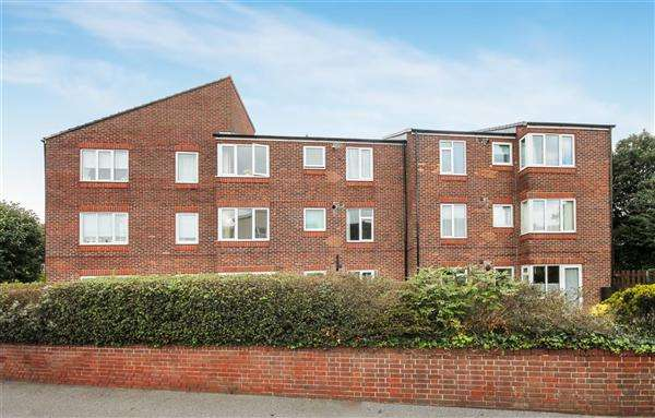 1 Bedroom Flat for sale in Mount Pleasant Road, Retirement Flat, Poole