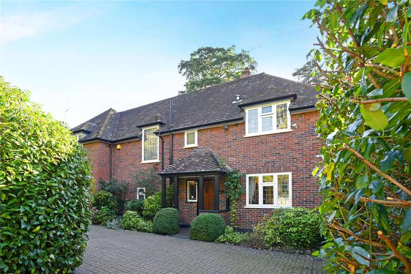 5 Bedrooms Detached House for sale in Southfield Place, Weybridge, Surrey, KT13