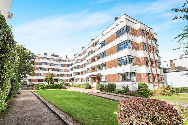 2 Bedrooms Flat for sale in The Crescent, Surbiton, KT6
