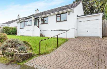 3 Bedrooms Bungalow for sale in Newlyn, Penzance, Cornwall