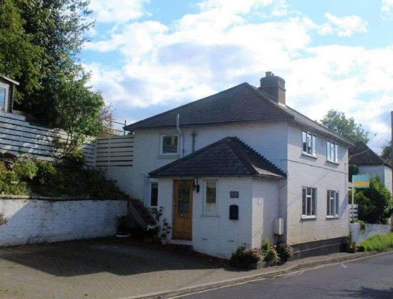 3 Bedrooms Detached House for sale in Swan Street, Kingsclere
