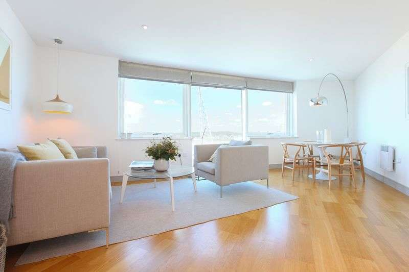 2 Bedrooms Flat for sale in Marina Point East, The Quay, Chatham Maritime